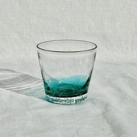 手に持ちたくなるグラスがあります...