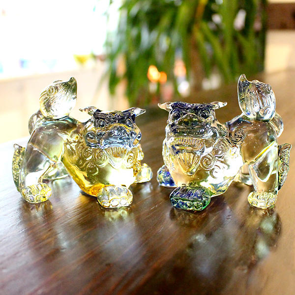 Glass shisa