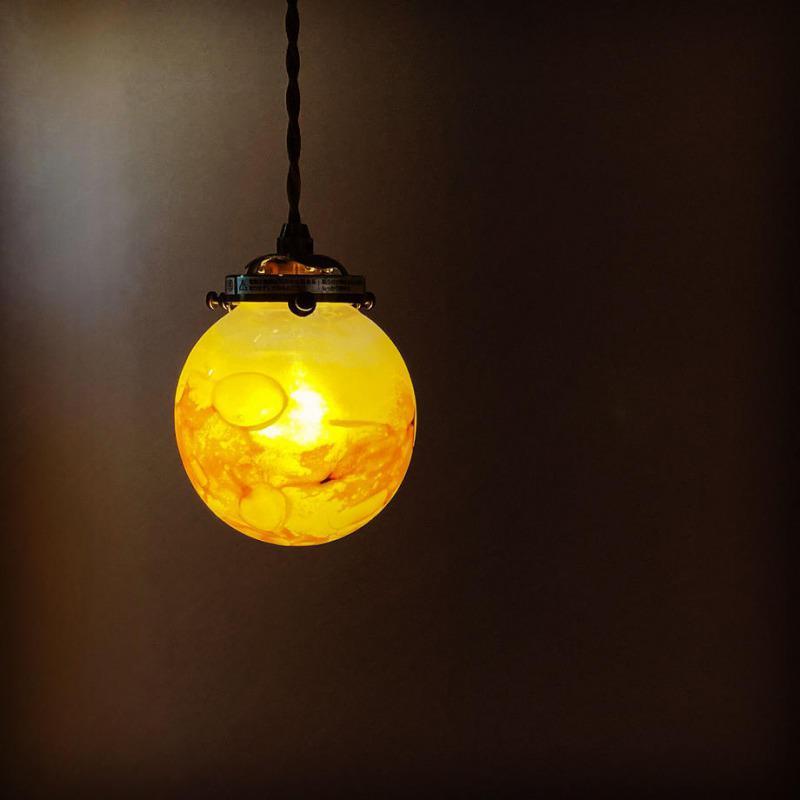 お家時間を楽しむ「月のランプ」